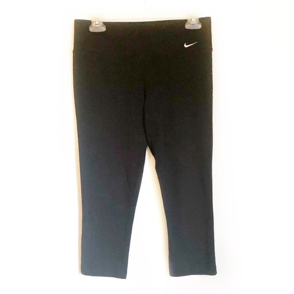 Nike Pants - NIKE Black Capri Leggings